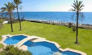 First line beach villa for sale - Estepona - Costa del Sol 0