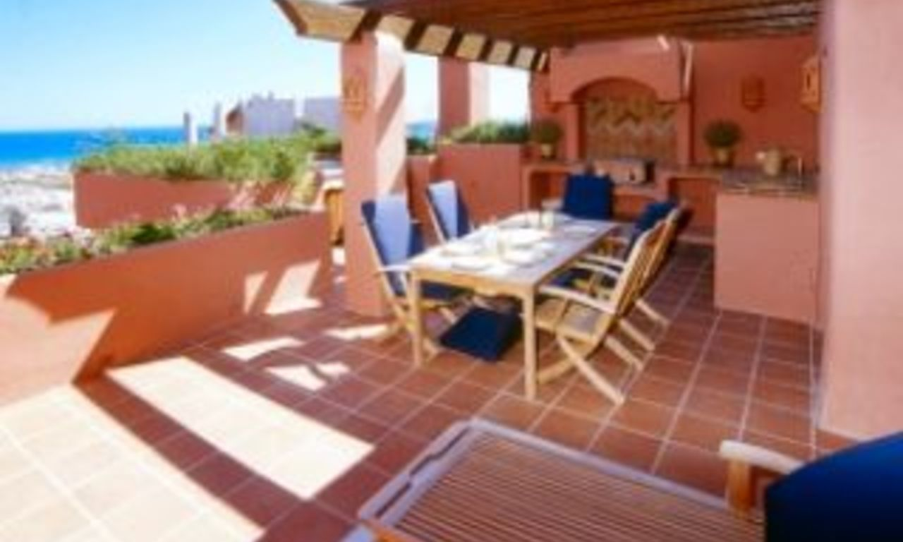 Beachfront apartments - penthouses for sale, first line beach, Marbella - Estepona 4