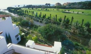 Beachfront and first line golf apartments for sale in Marbella, Los Monteros Playa 8