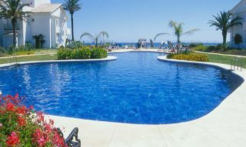 Beachfront and first line golf apartments for sale in Marbella, Los Monteros Playa